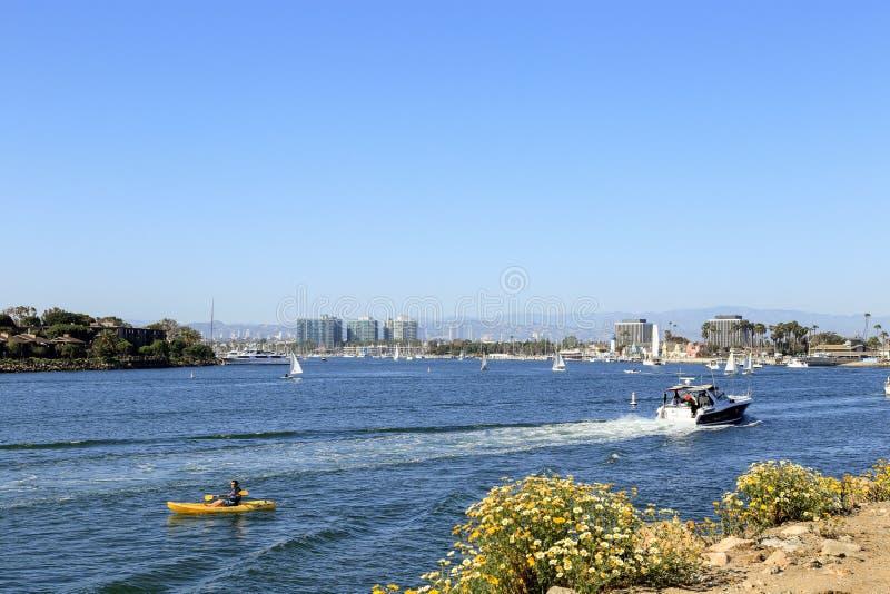 Navegando em Marina Del Rey, Califórnia imagens de stock
