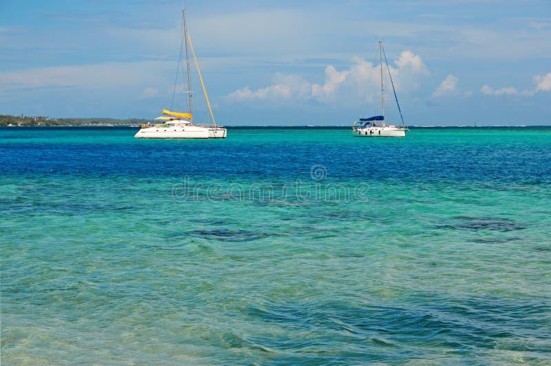 Navegando fora de Moorea Tahiti, Polinésia francesa foto de stock royalty free