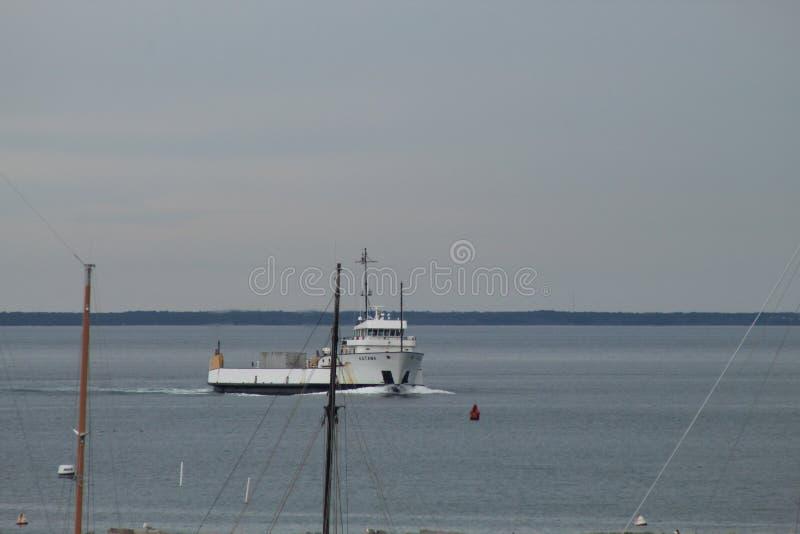 Navegando o esporte de barco ah tal é a vida fotografia de stock royalty free