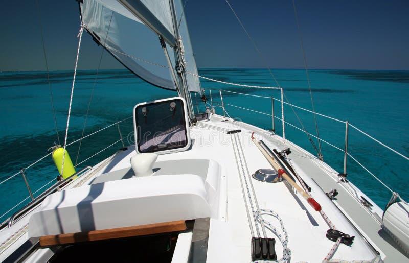 Navegando os mares rasos imagens de stock