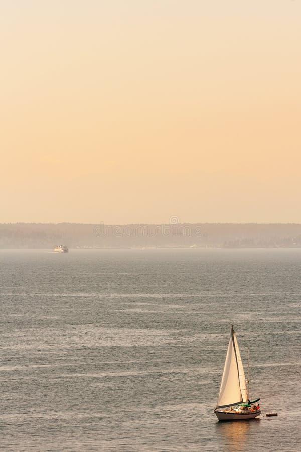 Navegar por Puget Sound fotos de archivo