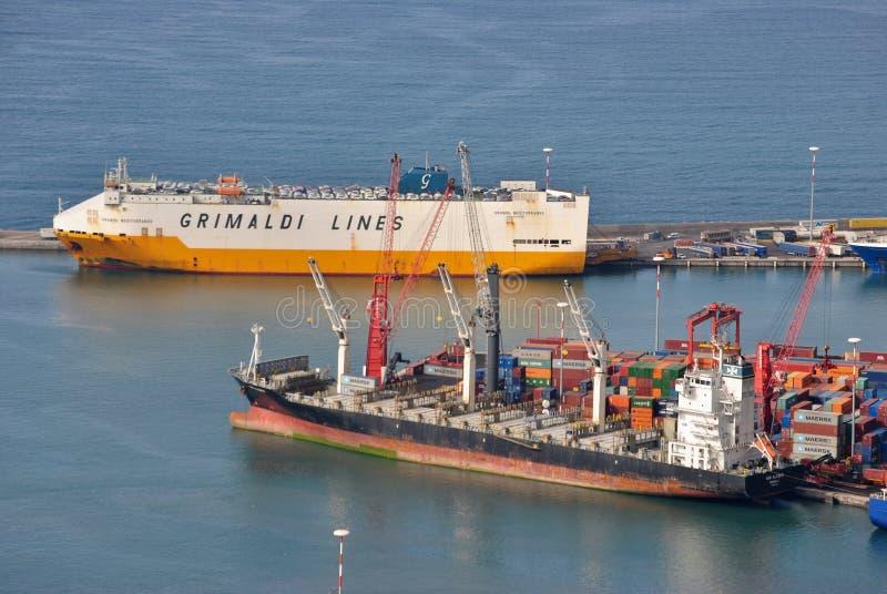 Naves en el puerto de Salerno fotos de archivo libres de regalías