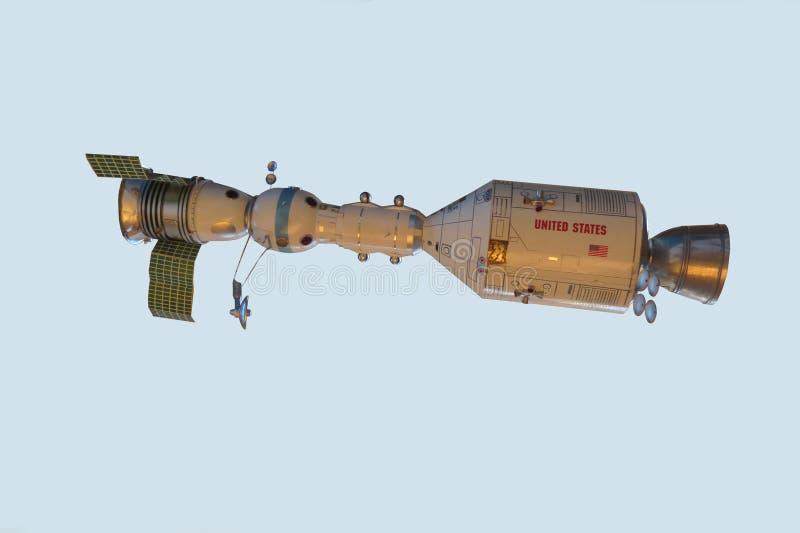 Naves espaciais conectadas modelo Apollo e Soyuz imagem de stock