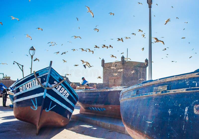 Naves y mar, Marocco de Essaouira fotografía de archivo libre de regalías