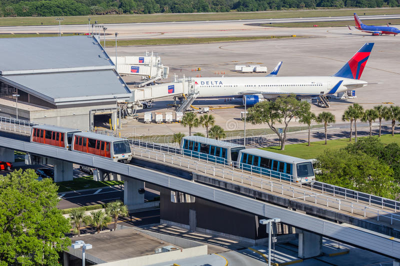 Navette terminale d'Airside photographie stock