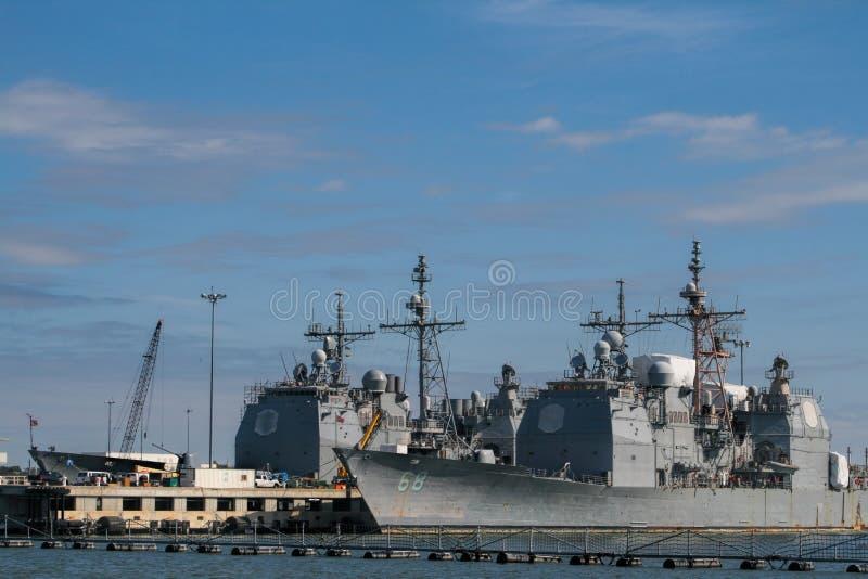 Navi della marina militare in porto fotografia stock libera da diritti