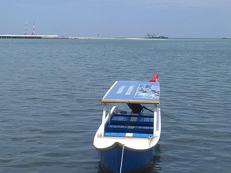 Navi sulla spiaggia Losari, fotografie stock