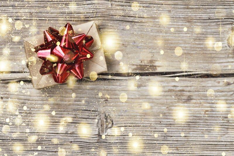 Navidad día de fiesta, regalo, caja, rojo, la Navidad, presente, cinta, espacio de la copia, visión superior imágenes de archivo libres de regalías