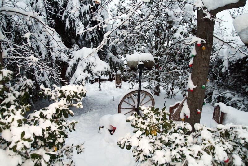 Navidad del jardín de la nieve imagen de archivo