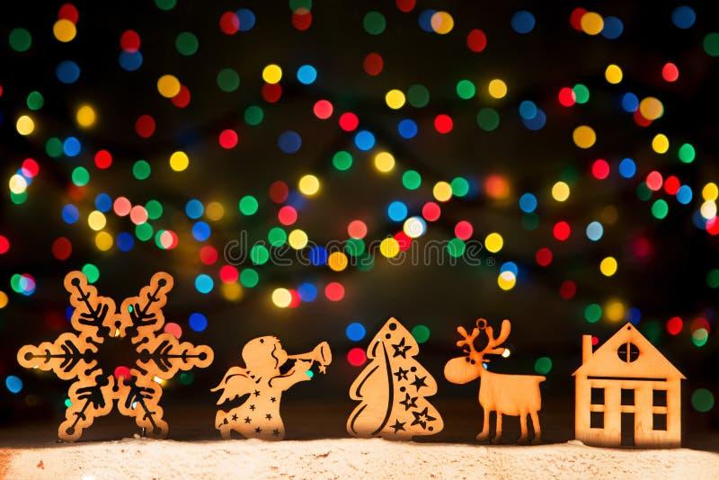 Navidad se enciende como estrellas, árbol de navidad, ángel, ciervo, decoros del vintage imagenes de archivo