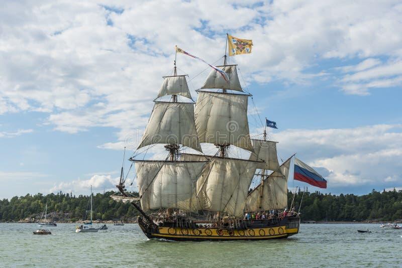 Navigação de Shtandart da fragata do russo fotografia de stock