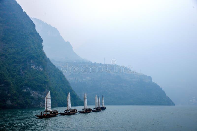 Navigação de Zixi da corrente da boca do desfiladeiro de Hubei Badong o Rio Yangtzé Wu imagens de stock royalty free