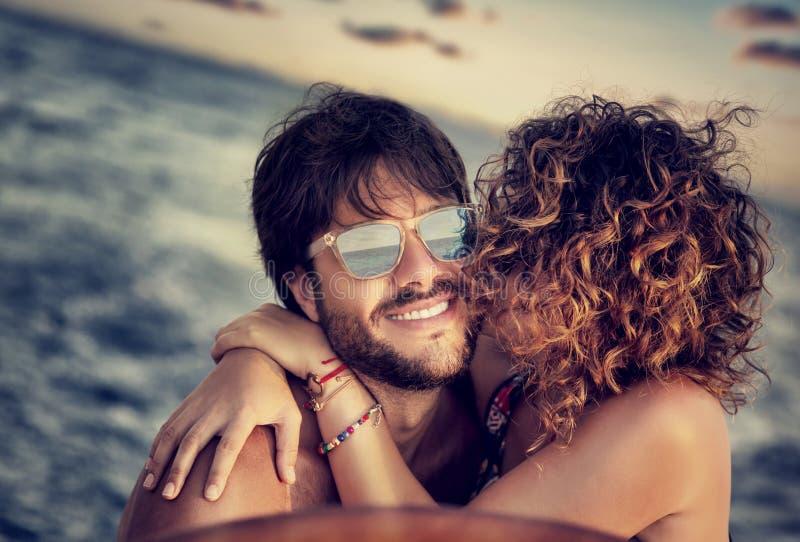 Navigação feliz dos amantes imagem de stock royalty free