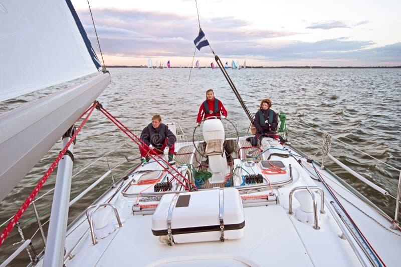 Navigando nei Paesi Bassi al tramonto fotografia stock libera da diritti