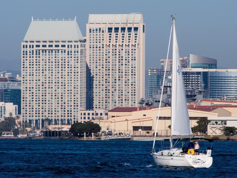 Navigation d'après-midi sur San Diego Bay image libre de droits