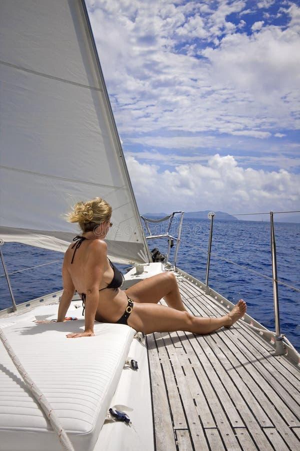 Navigation dans les tropiques photographie stock libre de droits