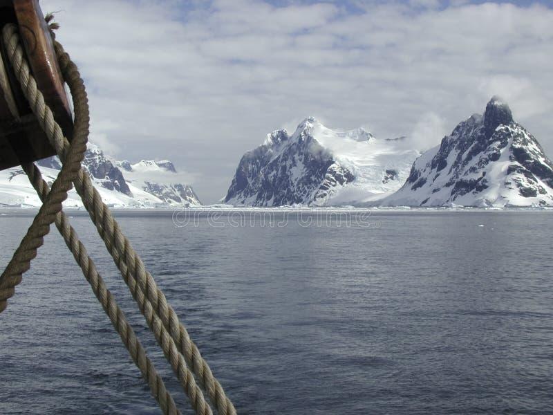 Navigation de l'Antarctique image libre de droits