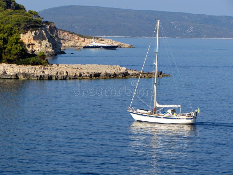 Navigation de yacht images stock