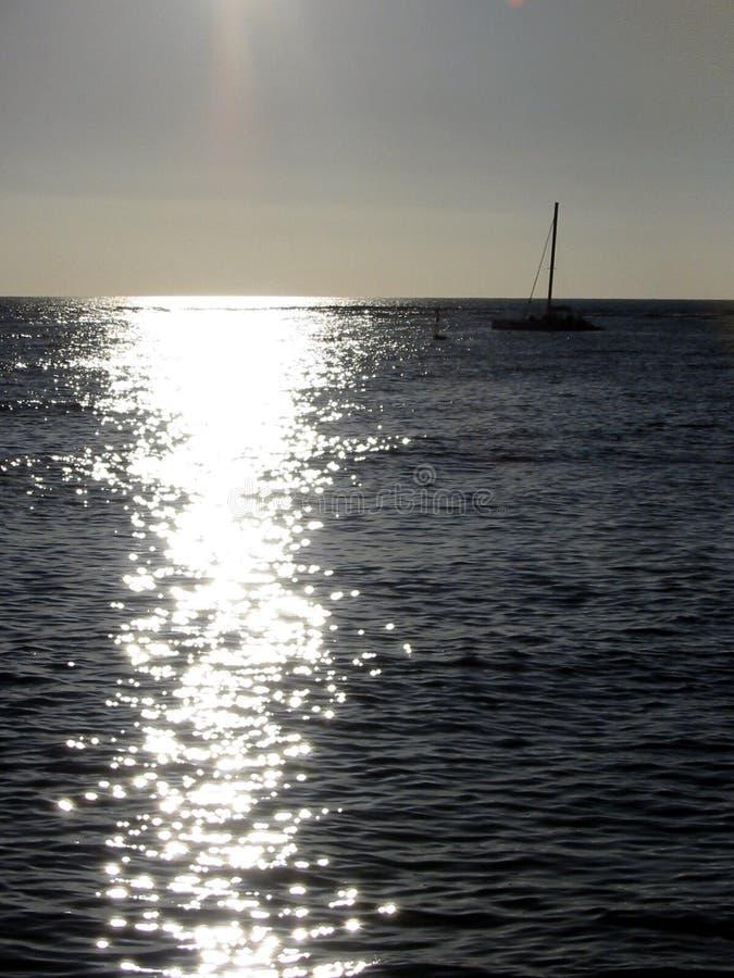 Download Navigazione al sole fotografia stock. Immagine di sailboat - 207480