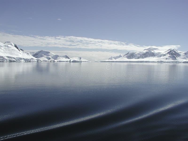 Navigazione dell'Antartide fotografia stock