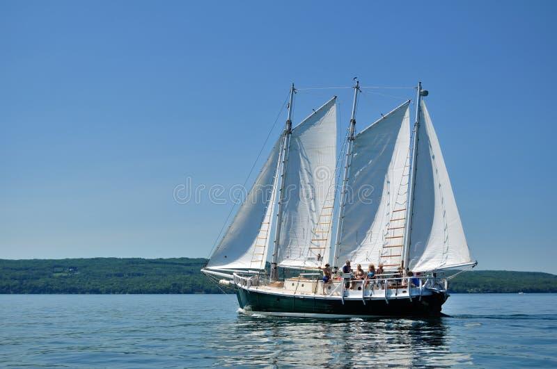 Navigazione della barca a vela della goletta fotografia stock