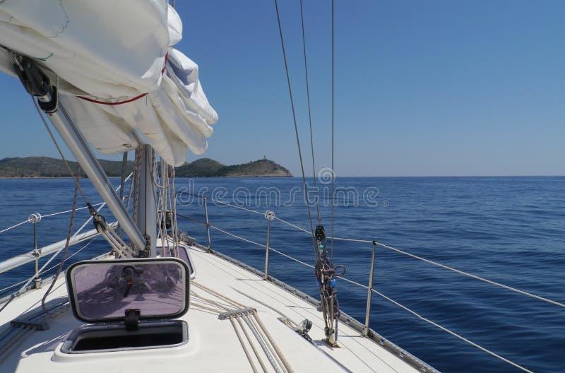Download Navigeer In Het Middellandse-Zeegebied Stock Foto - Afbeelding bestaande uit zeegebied, recreatie: 54089214