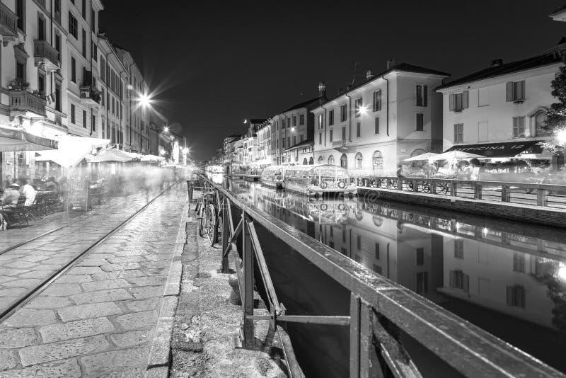 Navigli, de stad van Milaan, de zomernacht De Zwart-witte foto van Peking, China stock foto
