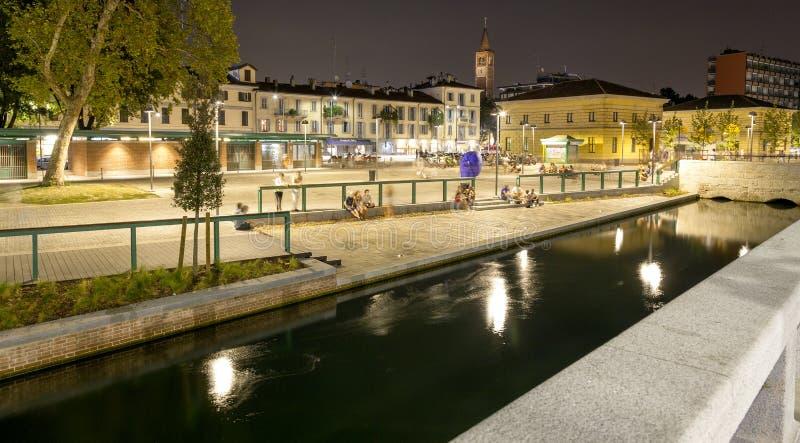 Navigli, ville de Milan, vue de nuit d'été Image de couleur image stock