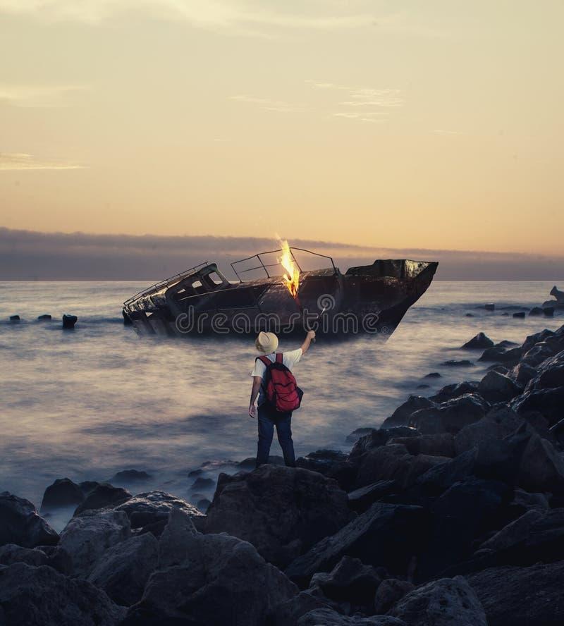 Navio abandonado no mar imagens de stock royalty free