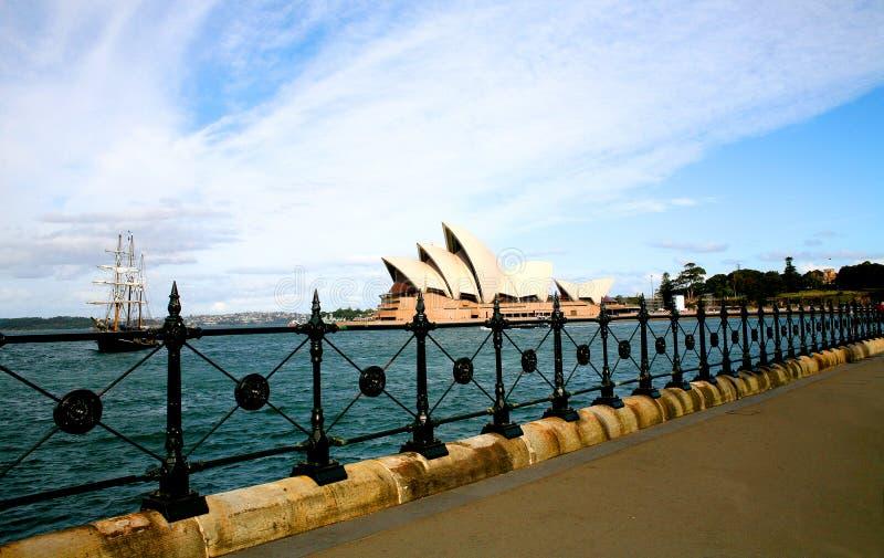 Navio alto em Sydney Harbour, Austrália imagens de stock royalty free