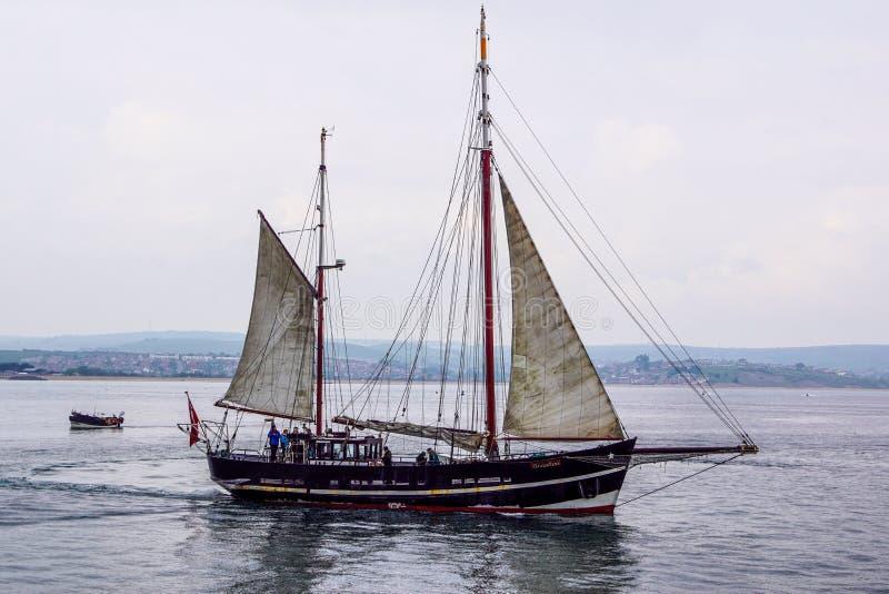 Navio alto em Weymouth fotos de stock royalty free