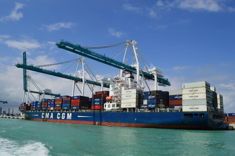 Navio da CGM Jamaica de CMA em Miami imagens de stock