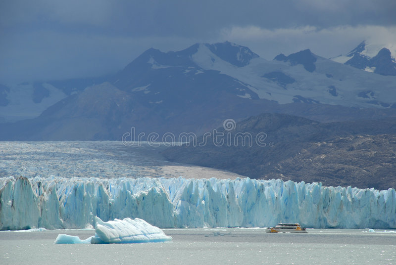 Navio da excursão de Argentina foto de stock