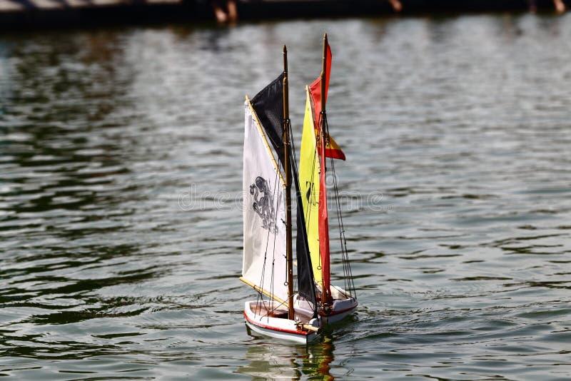 Navio da vela do brinquedo