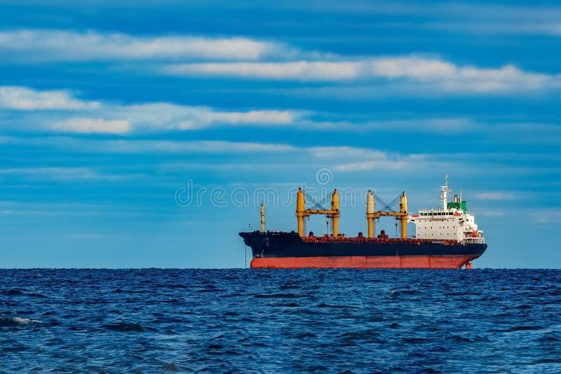 Navio de carga preto fotos de stock