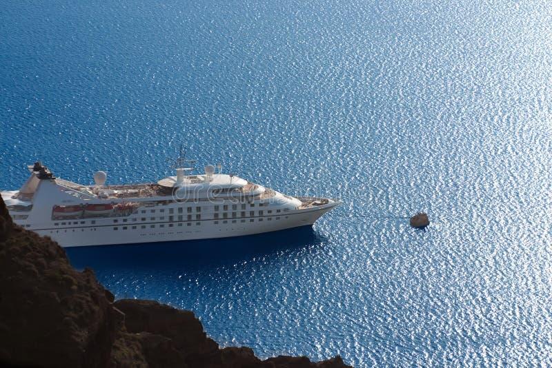 Navio de cruzeiros branco luxuoso imagem de stock royalty free