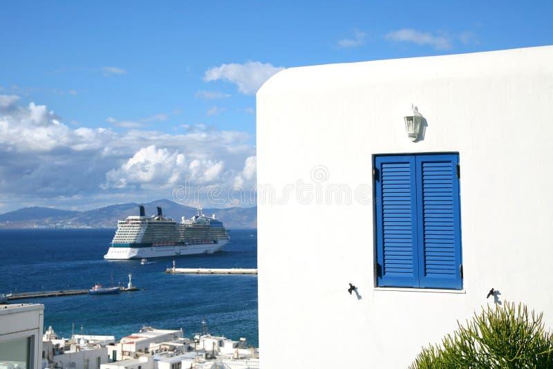 Navio de cruzeiros de Mykonos foto de stock royalty free