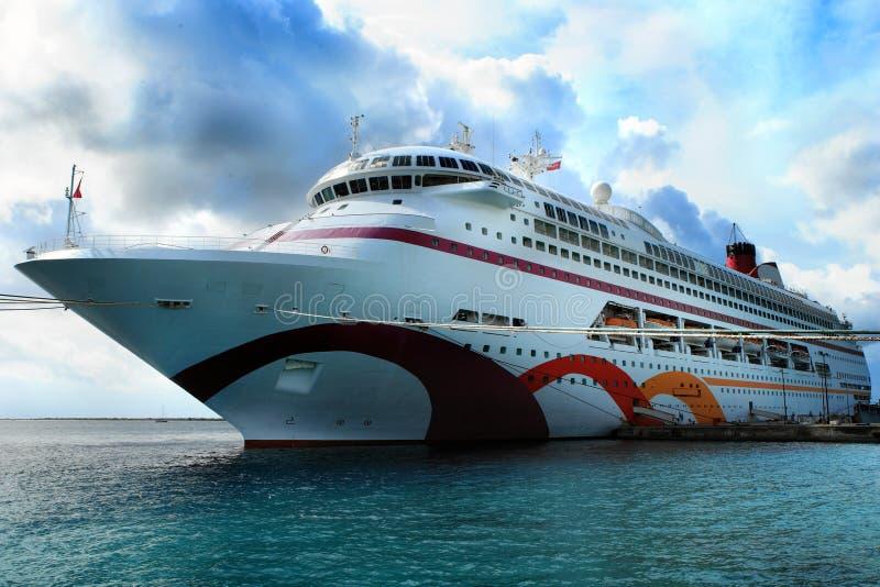 Navio de cruzeiros do Cararibe foto de stock royalty free
