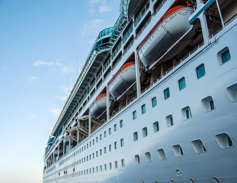 Navio de cruzeiros em Cabo fotografia de stock