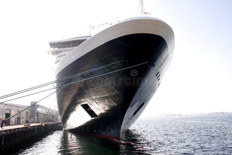 Navio de cruzeiros na doca fotografia de stock