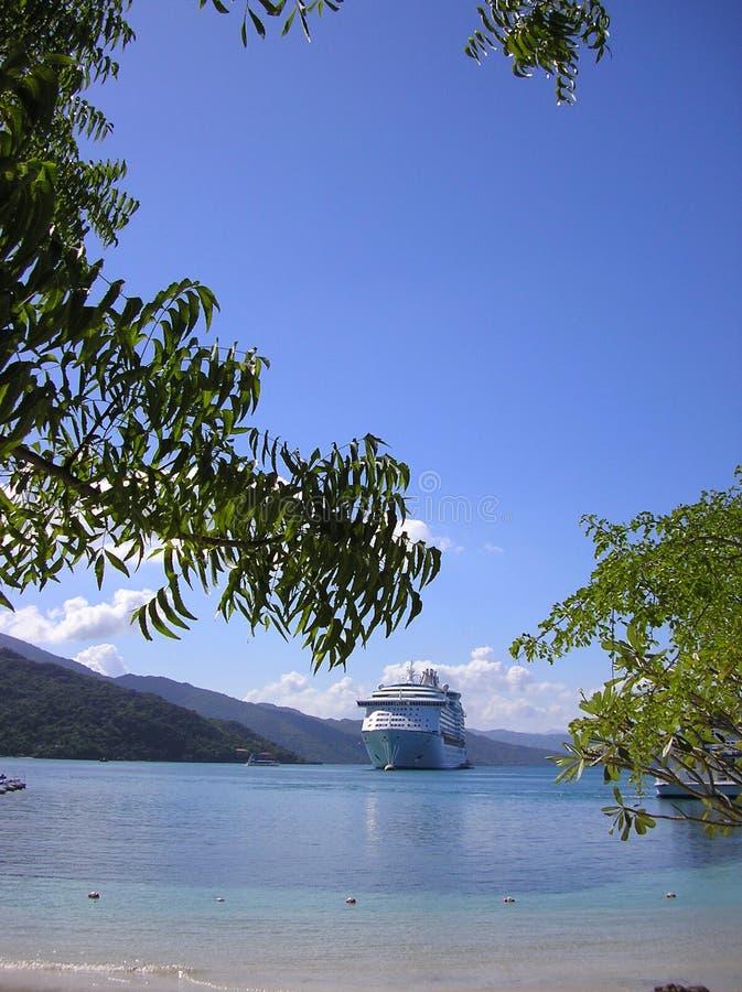 Navio de cruzeiros no porto foto de stock royalty free