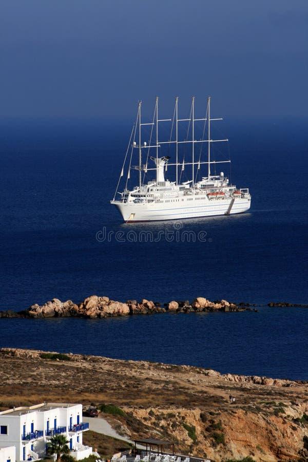 Navio de cruzeiros - Paros, Greece foto de stock royalty free