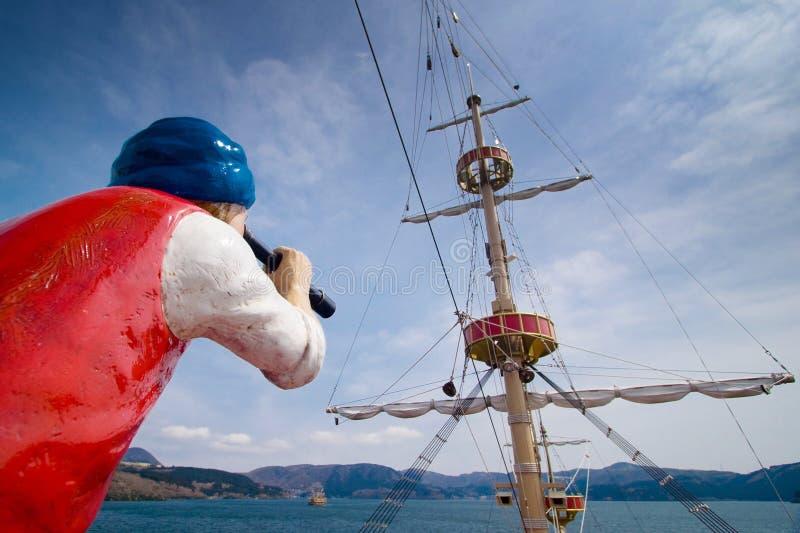 Navio de cruzeiros sightseeing do pirata de Hakone os vasos no lago Ashi imagens de stock royalty free
