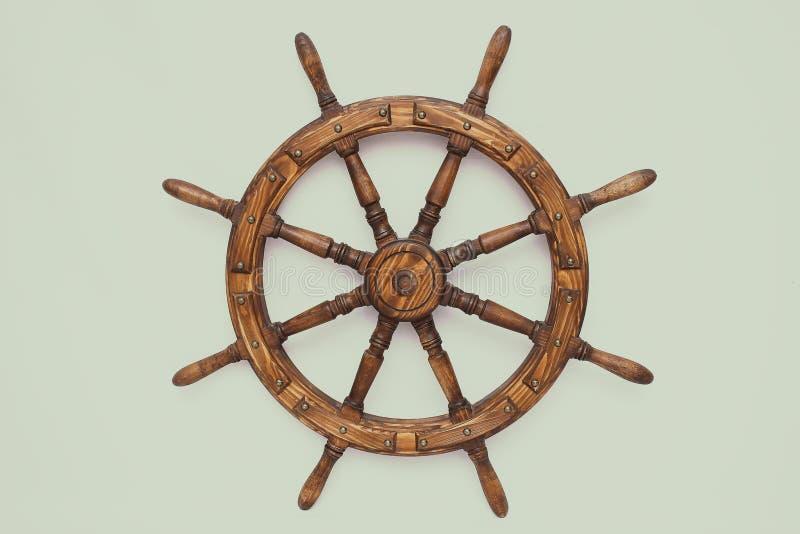 Navio de direção da roda de mão no fundo branco imagens de stock