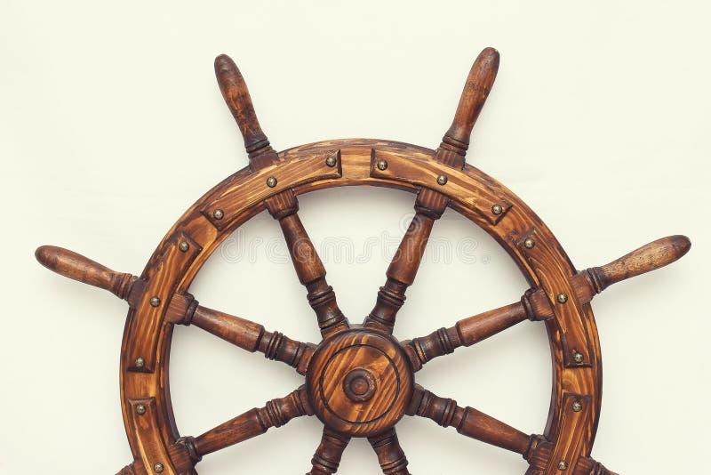 Navio de direção da roda de mão no fundo branco fotos de stock royalty free
