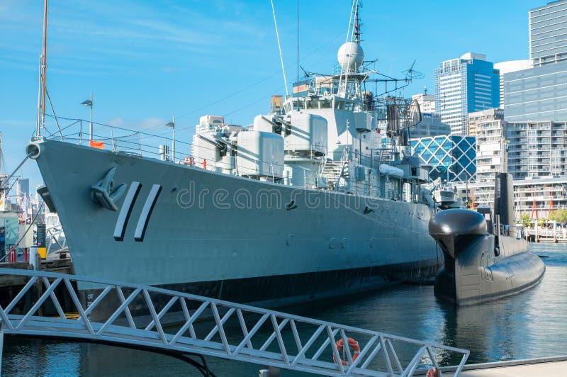 A navio de guerra número 11 está amarrando no museu marítimo nacional australiano, porto querido foto de stock