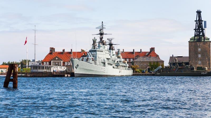 Navio de guerra PEDER SKRAM no porto de Copenhaga foto de stock