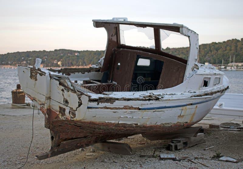 Navio de madeira podre velho foto de stock royalty free