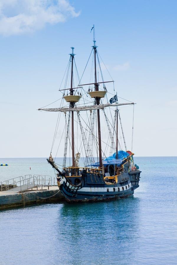 Navio de pirata nos Cayman Islands imagem de stock royalty free