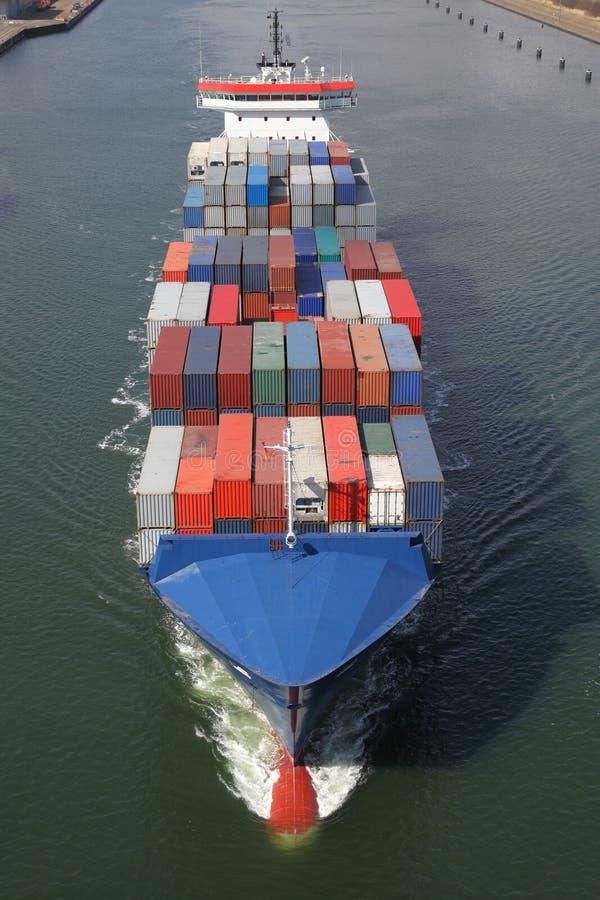Navio de recipiente em Kiel Canal imagens de stock royalty free